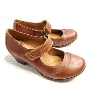Sofft Brown Leather Mary Jane Chunk Heels --B13